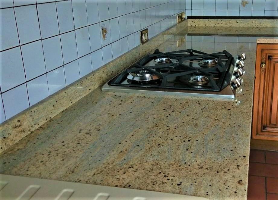 Sostituzione top cucina in granito Kashmir Gold lucido (India ...